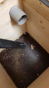 Čmeláci PLUS - Úlek důkladně vyčistěte od nečistot po uskladnění na zimu