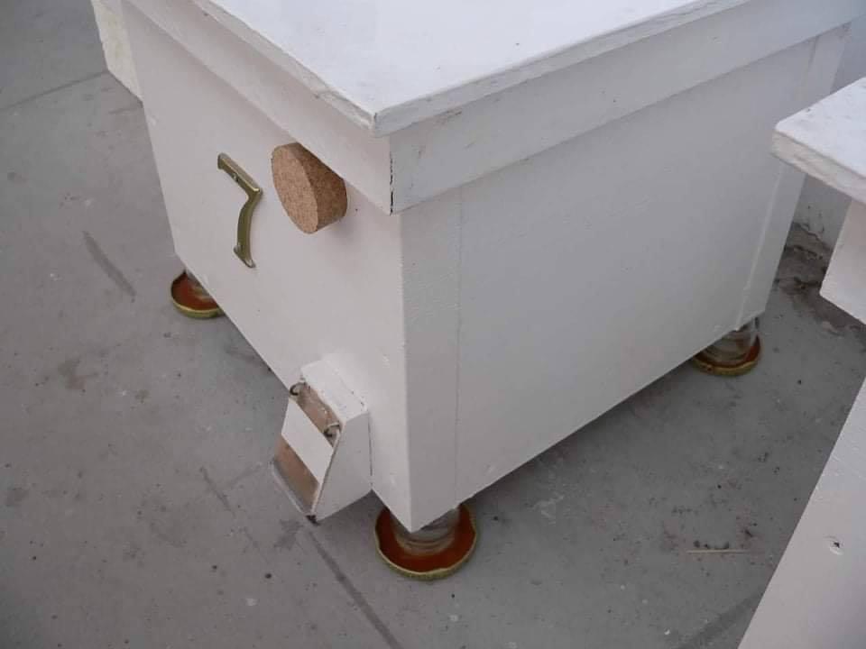 Čmeláci PLUS - Ochrana proti mravencům úlek na zemi