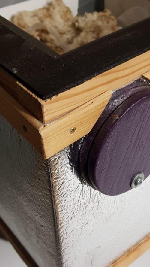 Čmeláci PLUS - Doplňková izolace úlku z odrazové folie za radiátory