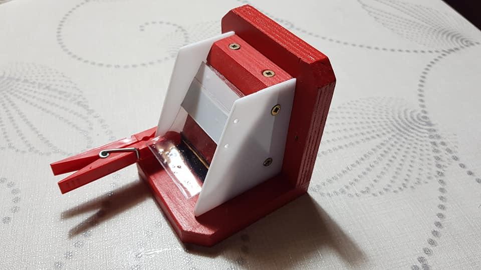 Čmeláci PLUS -Řešení pro zavírání klapky kolíček