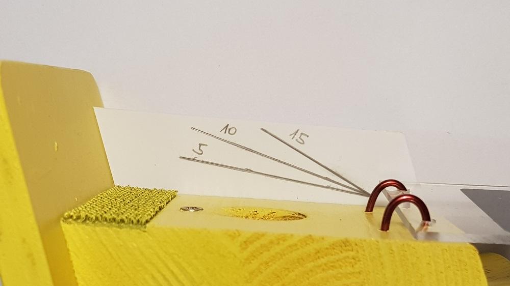 Čmeláci_PLUS - Značky na bočnici klapky