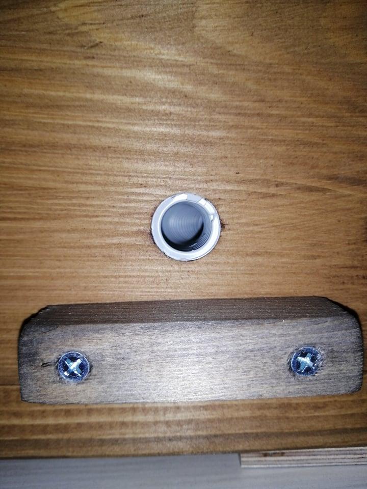 Čmeláci PLUS - Nevhodný úlek - vstupní chodba male světlosti a chybějící ochranná klapka