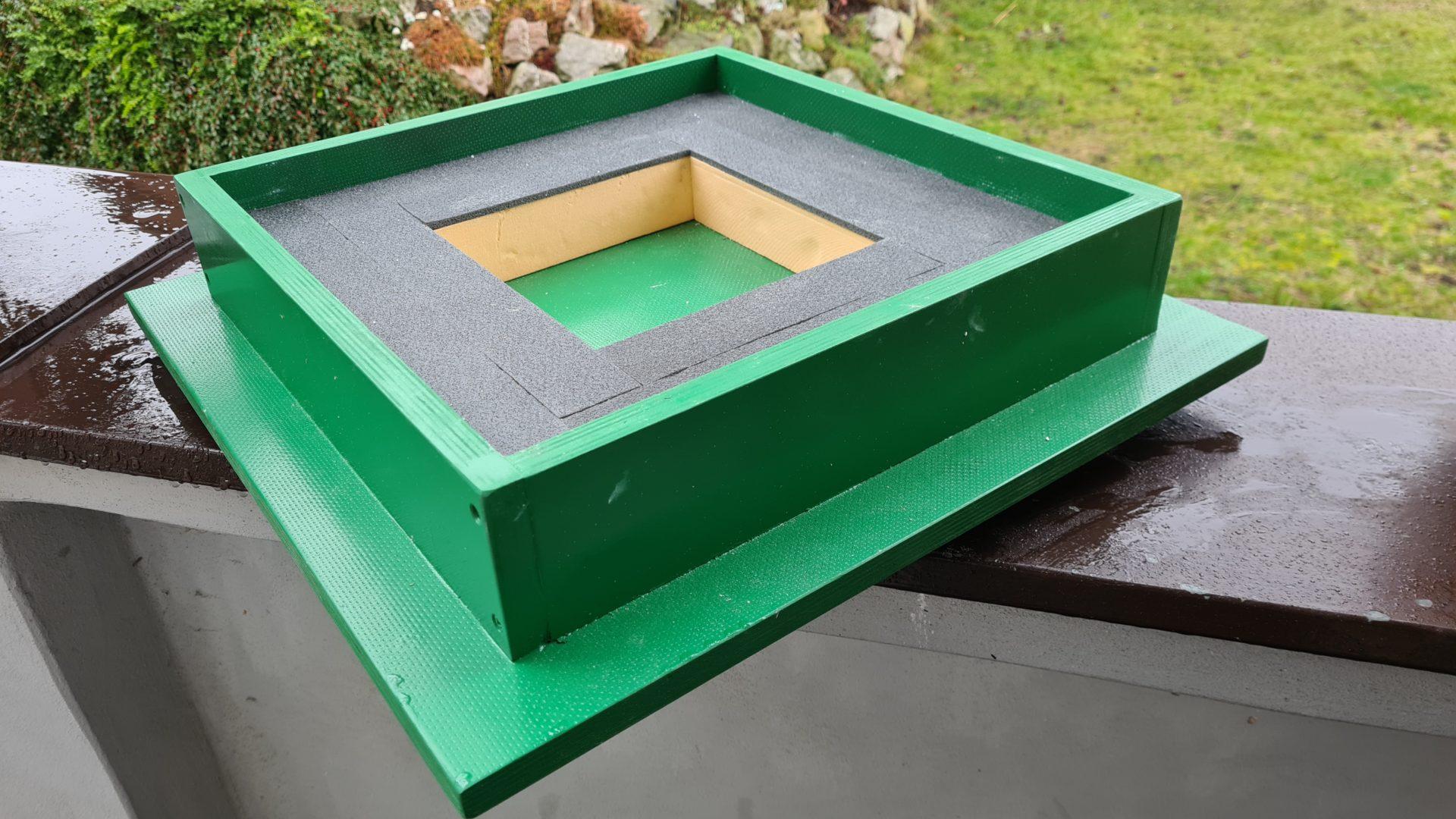 Čmeláci PLUS - Úprava úlku - nová střecha s vyjmutou vložkou